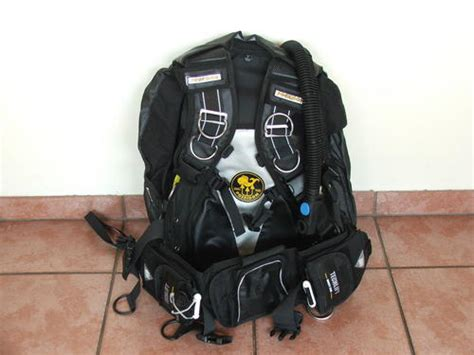 bcds poseidon techlift bcd was listed for r2 500 00 on