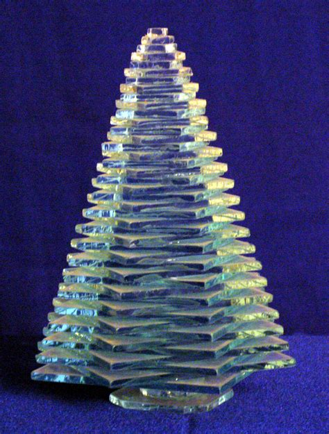 clear glass christmas tree figurine 6 inch large zmd0066