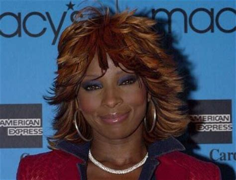 mary j blige flipped hair can we get into the underrated style icon that is mary j