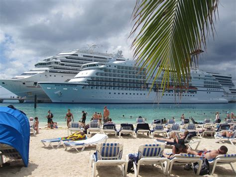 cruise ship passenger beach at grand turk s margaritaville