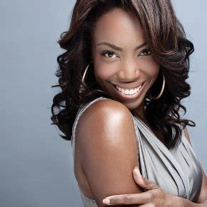 A Legend at Lunchtime; My Afternoon Chat with Heather Headley   Center on the Aisle