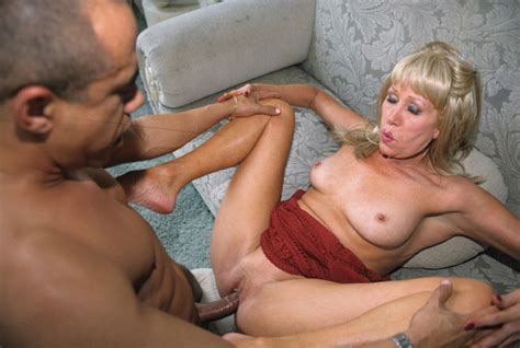 sexy Mature Lady Fucked In The House Pichunter