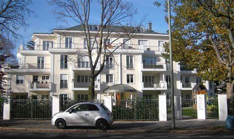 luxus wohnung berlin kaufen villa in berlin dahlem luxus wohnanlage in villen