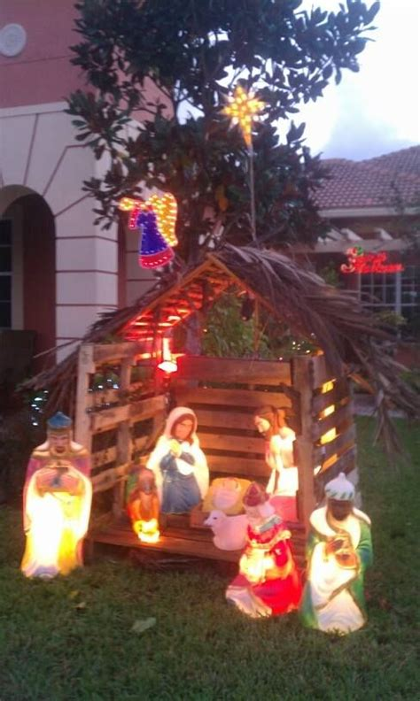 nativity stable made from pallets advent and