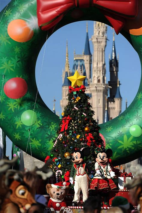 christmas gift theme ideas for adults disney gifts for adults 10 gift ideas theme park fans will this 2015 season