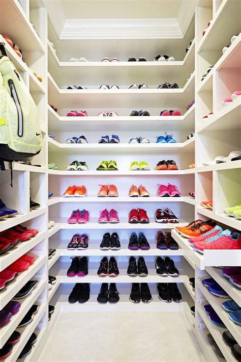 Khloe Shoe Closet by Check Out Khlo 233 Kardashian S Amazing Fitness Closet