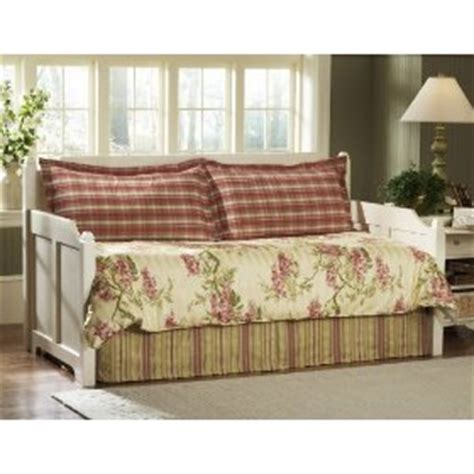 cottage style daybeds the cottage style daybed home furniture furnishings