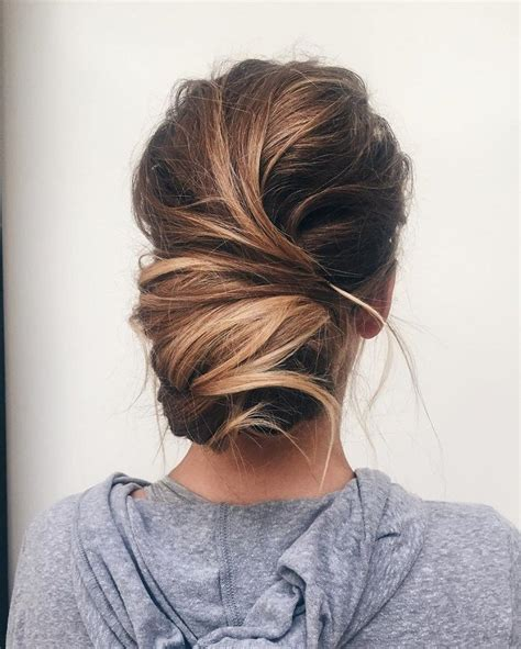 hairstyle for ball head best 25 messy updo ideas on pinterest bridesmaid hair