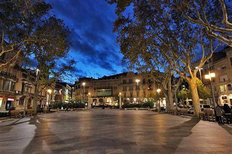 PHOTO: La Rambla in Figueres, Spain