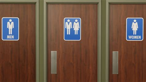 Bathroom Bill New Yorkers Battle Carolina S Anti Lgbt Quot Bathroom