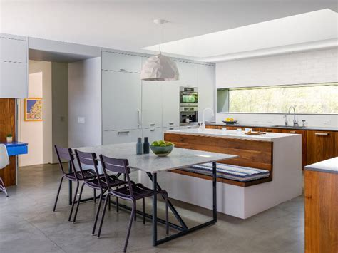 Contemporary Kitchen Design with Integrated Banquette