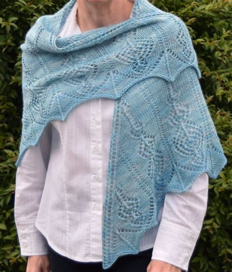 triangle lace pattern lace triangle knit shawl pattern aetheria shawl knitting