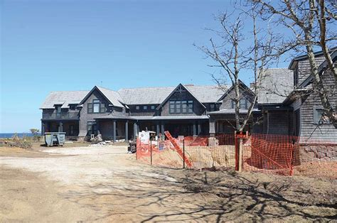 Chappaquiddick House Move Edgartown Boards Green Light Schifter House Move The Martha S Vineyard Times