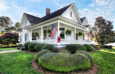 Country House With Wrap Around Porch by Historic North Carolina House Tour Country Homes And