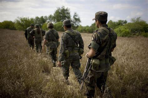 impresionantes imagenes soldados la guerra del narco en mexico impresionantes imagenes