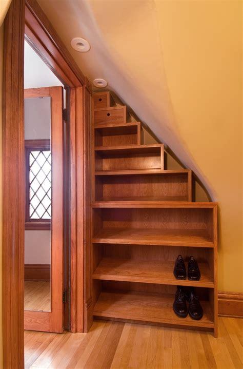schuhregal unter treppe schuhregal design mit kreativen einsatzm 246 glichkeiten