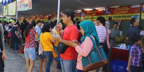 Biji Durian Candimulyo bawa pulang durian unggulan mulai rp 70 000 di pesta durian 2016 kompas