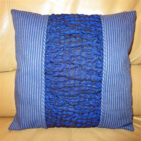 Smocked Pillow by Diy Chainstitch Smocked Pillow Weallsew