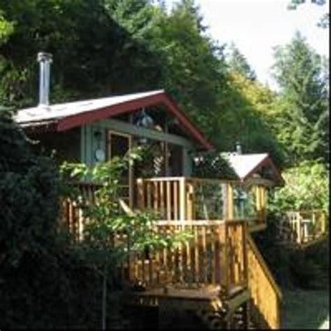 maple ridge cottages salt island columbia