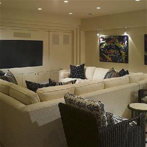 Pit Living Room Furniture by Pit Sectional Transitional Living Room Bassett Furniture