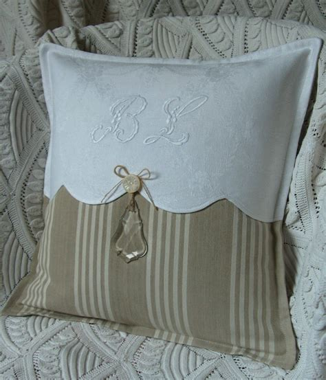 bed with a lot of pillows pillow detail this gives me the idea on updating a pillow without a lot of effort or new