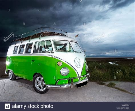 volkswagen bus beach green vw volkswagen screen cer van bus hippie