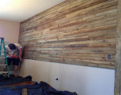 revestimientos de paredes interiores revestimiento paredes con palets un proyecto que te