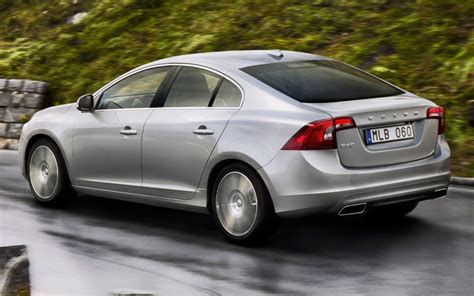2014 volvo s60 rear side motion view photo 4