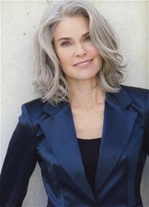 glamorous styles for medium grey hair pin by roberta cos on makeup hair nails pinterest