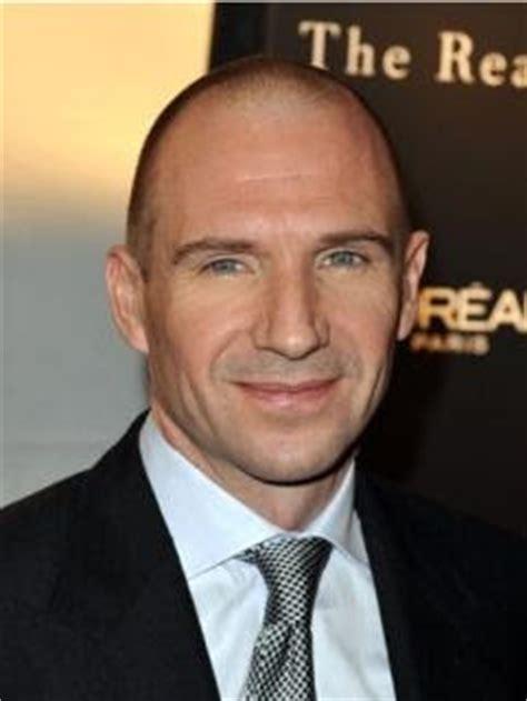 fienes hair transplant baldcelebs com june 2009