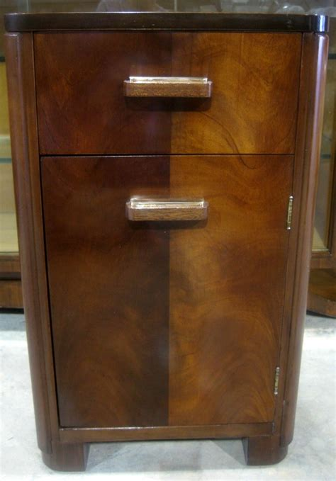 donald deskey for amodec american art deco bedroom set at donald deskey amodec american art deco bedside table