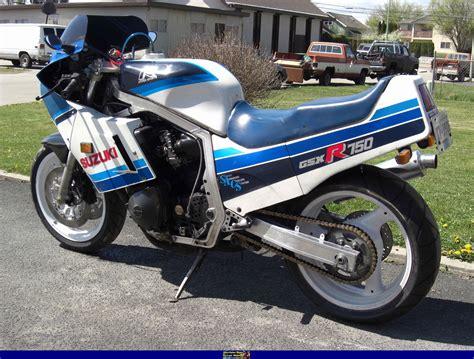 1986 Suzuki Gsxr 750 by 1986 Suzuki Gsx 750 S Pics Specs And Information