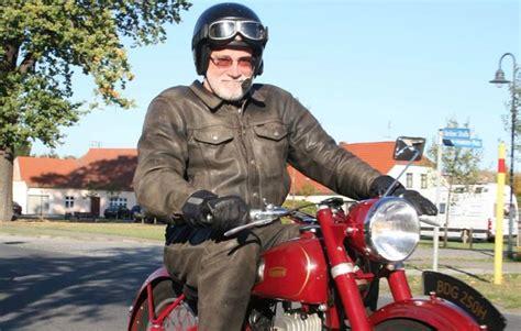 Motorrad Fahren In Berlin by Motorrad Oldtimer Fahren In Berlin Als Geschenk Mydays
