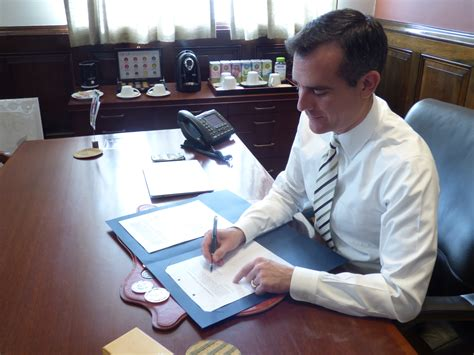 ordinance for dwp contract signed by mayor garcetti
