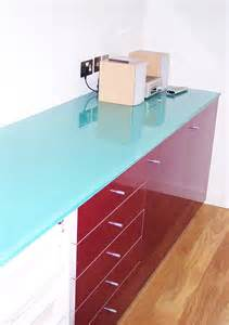 farbige arbeitsplatten glass kitchen worktops in coloured patterned toughened glass