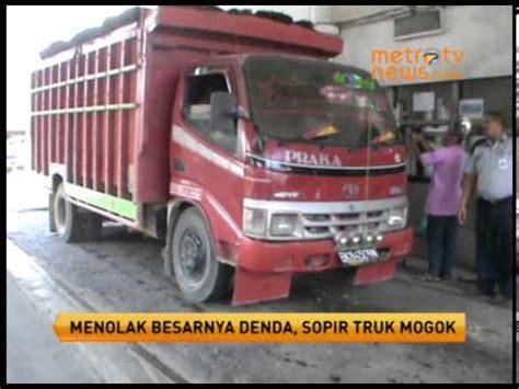 3014t Mainan Mobil Truk Tangki Air truk batu bara terbalik doovi