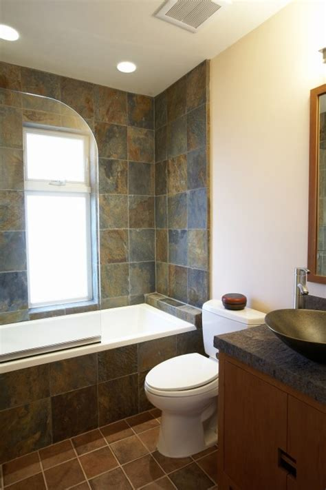 Water Everywhere But Shower by 1000 Ideas About Slate Tile Bathrooms On