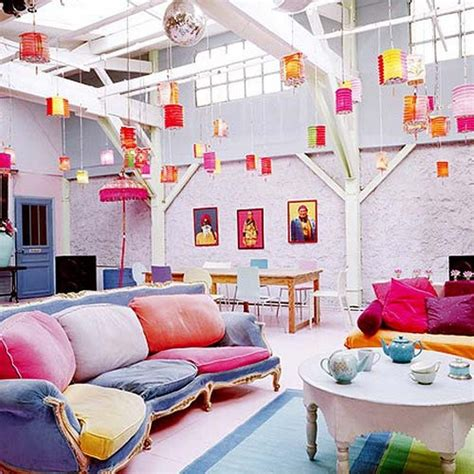 colorful room triadic color scheme what is it and how is it used