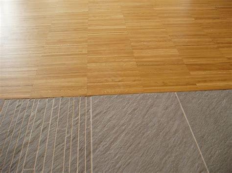 pavimenti in linoleum costi come accostare pavimenti diversi pavimentazioni