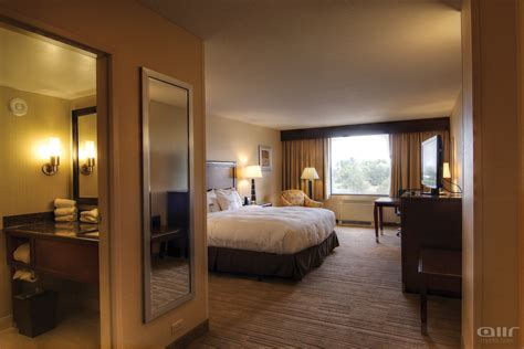 hton room doubletree by guest rooms doubletree global media center