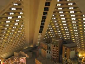 Las Vegas Biggest Buffet by Alfa Img Showing Gt Inside Luxor Vegas