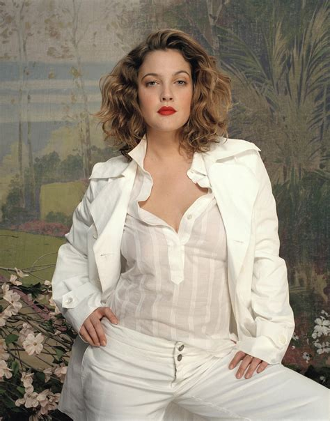 Drew Barrymore Gets On by Drew Barrymore Pics Gallery