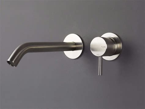 rubinetto a muro per lavabo miscelatore per lavabo a 2 fori a muro in acciaio inox