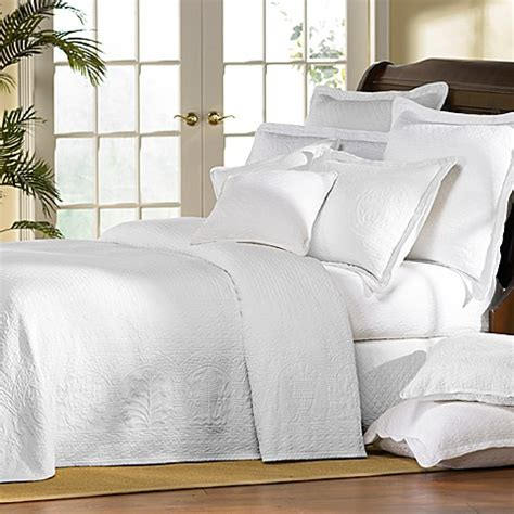 coverlet white williamsburg william and mary white matelasse bedspread
