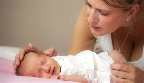 Hochzeit 8 Wochen Nach Geburt by Wochenbett Tipps F 252 R Eine Erholsame Erste Zeit Mit Baby