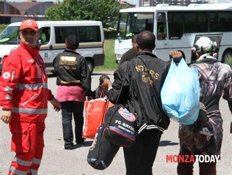 ufficio di igiene monza muggi 242 perch 232 i profughi all asl risponde il comune