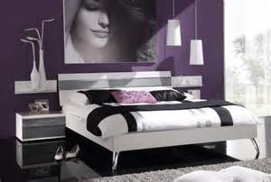 Decorating Ideas For Womens Bedroom Exclusively Decorate The Bedroom With Handful Ideas For