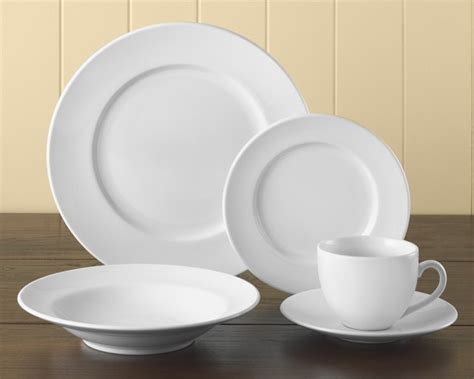 Patio Tableware Brasserie All White Dinnerware 5 Piece Place Setting