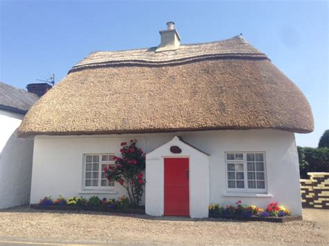 thatched cottages kilmore quay co wexford liveireland