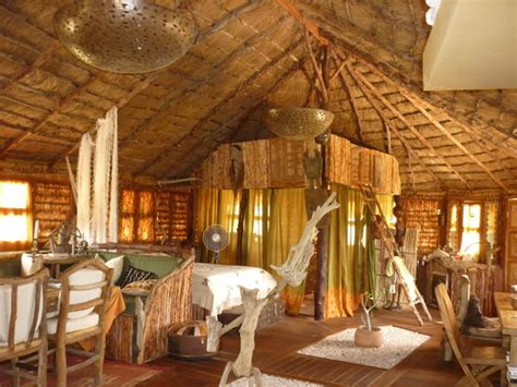 Hutte Africaine Interieur by Akine Dyioni Lodge Hotel Diembering S 233 N 233 Gal Voir Les